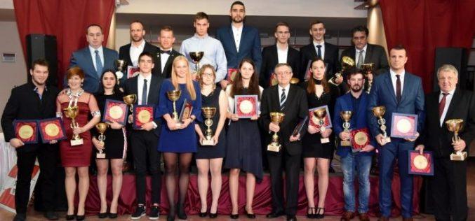 A Sportbálon adták át Kecskemét legjobb sportolóinak az elismeréseket